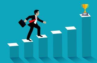 ilustracao-de-gestor-subindo-em-grafico-crescente-atraves-de-uma-boa-gestao-empresarial-para-atingir-o-sucesso