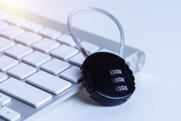 foto-de-cadeado-para-ilustrar-informacoes-confidenciais-como-um-dos-erros-em-anuncios-de-venda-de-empresas