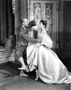 """Yul Brynner and Gertrude Lawrence in """"The King and I"""""""