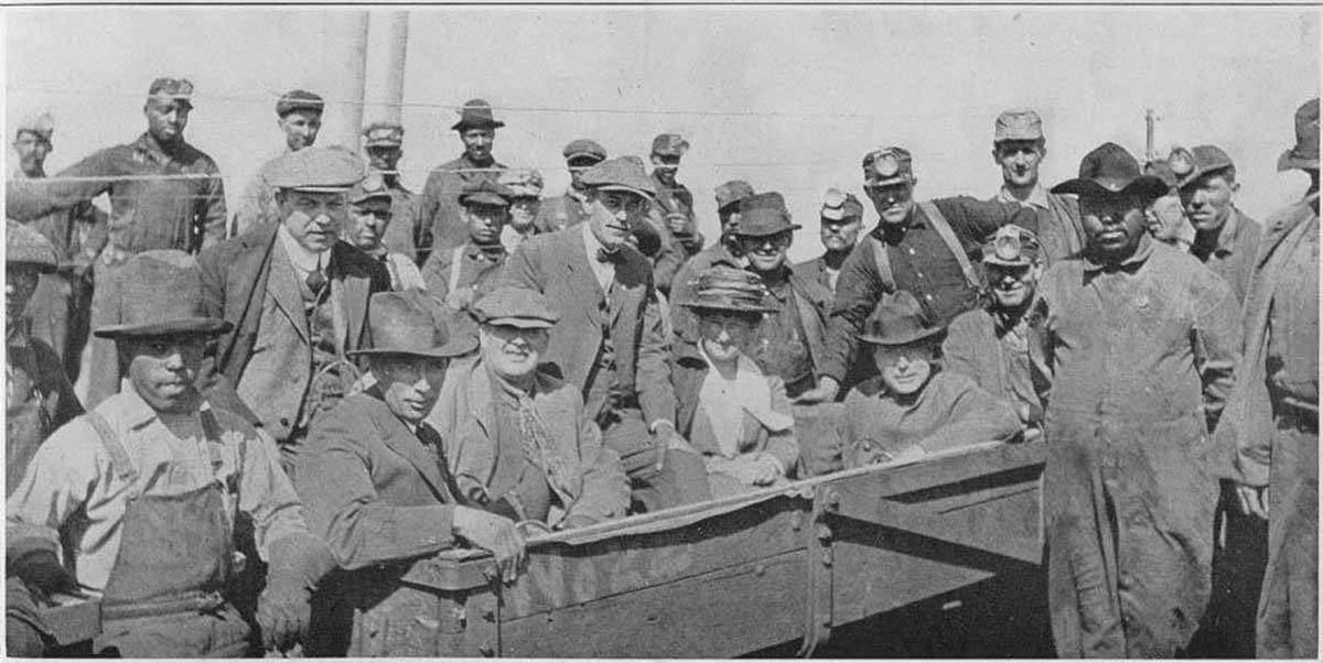 John Rockfeller, Mackenzie King, Mrs. Abby Rockefeller and the miners at Walsen, Huerfano County, 1918