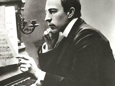 <p>Sergei Rachmaninoff in the early 1900s</p>