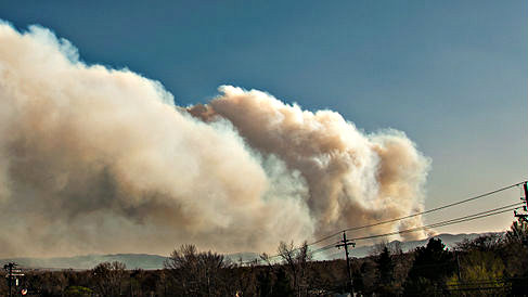 <p>Smoke from Lower North Fork Fire in March 2012</p>