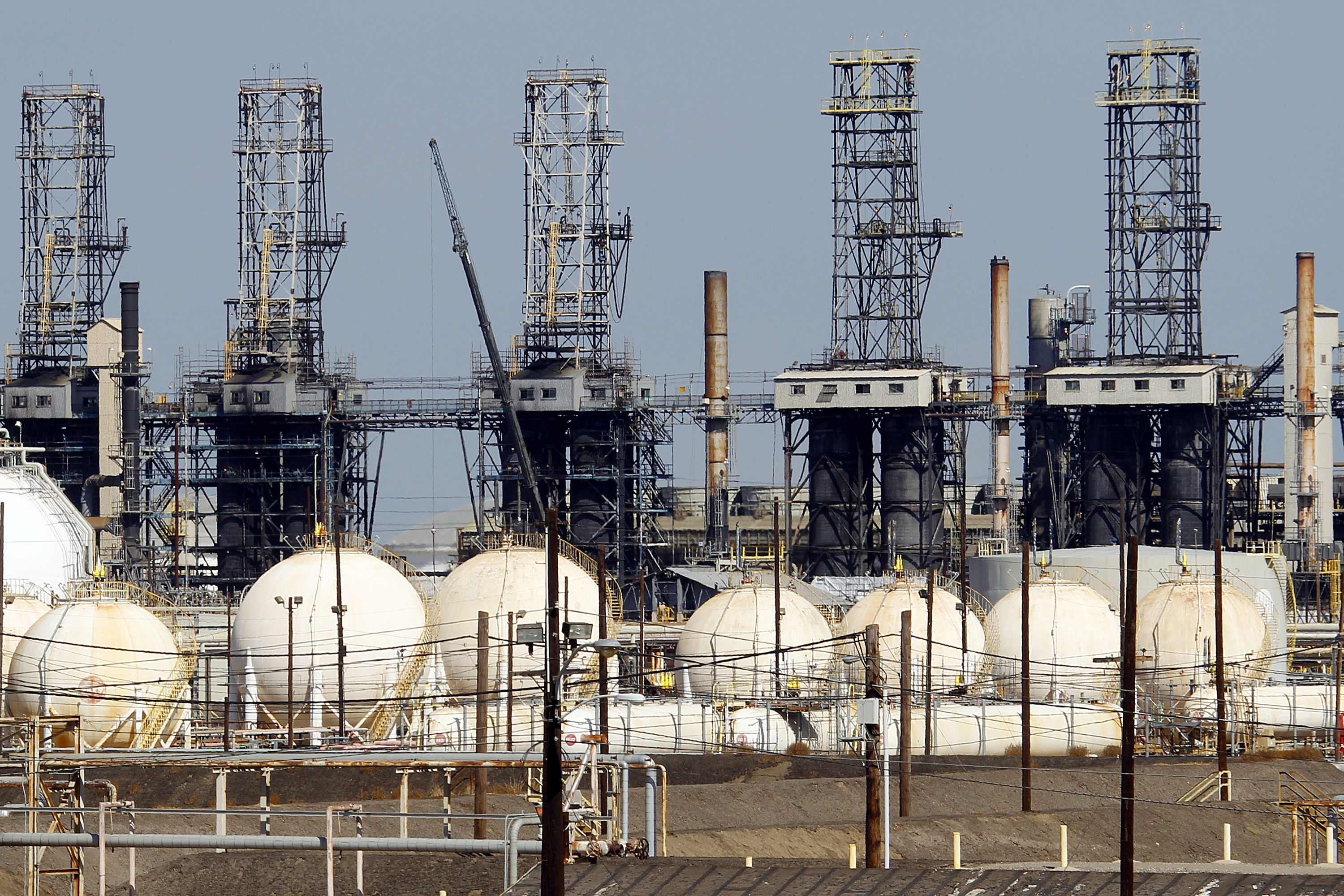 <p>The ExxonMobil refinery in Torrance, Calif.</p>