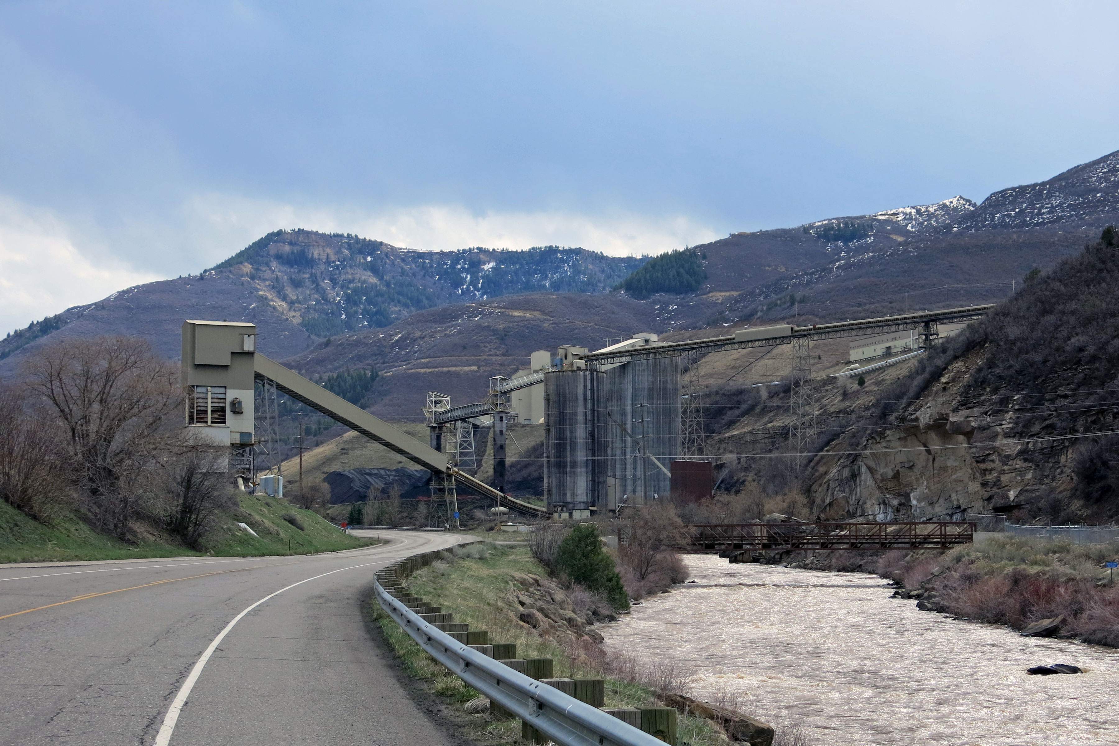 West Elk Mine, owned by Arch Coal, is the last operating mine in the North Fork Valley. Bowie #2 and Elk Creek mines have closed.