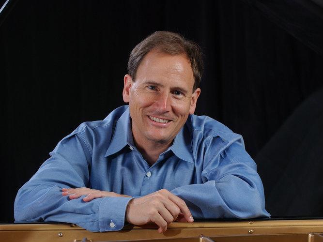 <p>Pianist David Korevaar.</p>