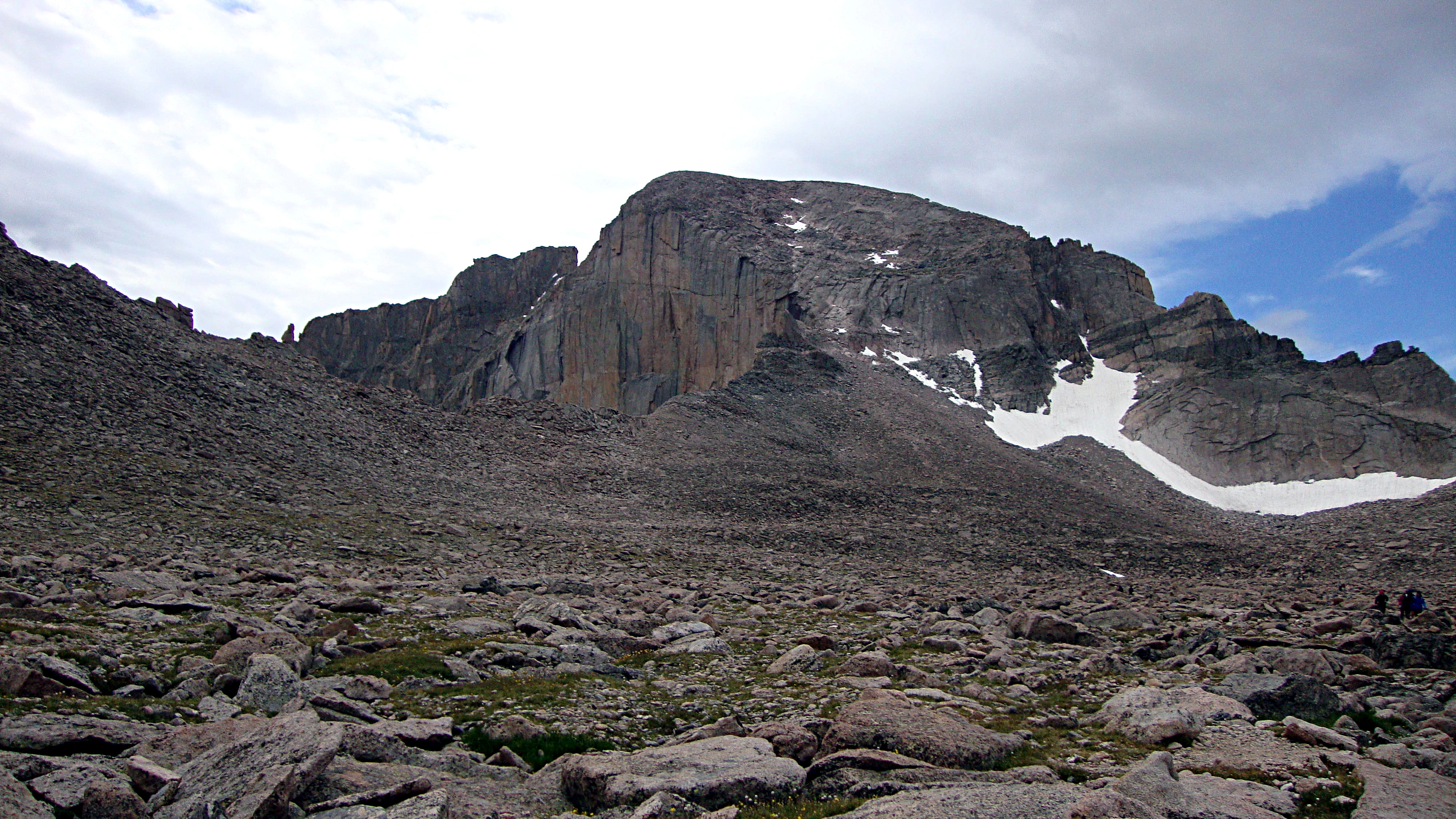 <p>Longs Peak towers over the other summits in Rocky Mountain National Park at 14,259 feet.</p>