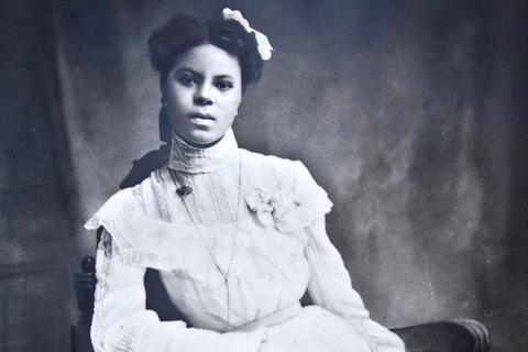 Lucile Berkeley Buchanan Jones's graduation portrait from the State Normal School (now theUniversity of Northern Colorado) in1905.