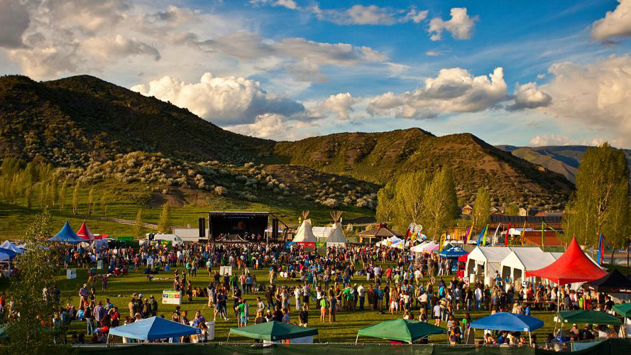 <p>The 2014 Snowmass Mammoth Fest will be held June 13-15 and features Americana music, beer tasting and a chili cook off competition.</p>