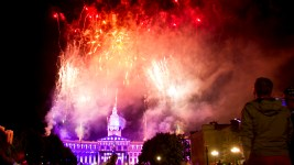 Fireworks on July 3, or Independence Day Eve. 2016. (Kevin J. Beaty/Denverite)  denver; denverite; colorado; civic center park; fireworks; fourth of july; july 4th; kevinjbeaty; independence day;