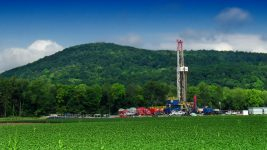 Natural gas drilling in the Pennsylvania Marcellus Shale. (Nicholas A. Tonelli/Flickr)