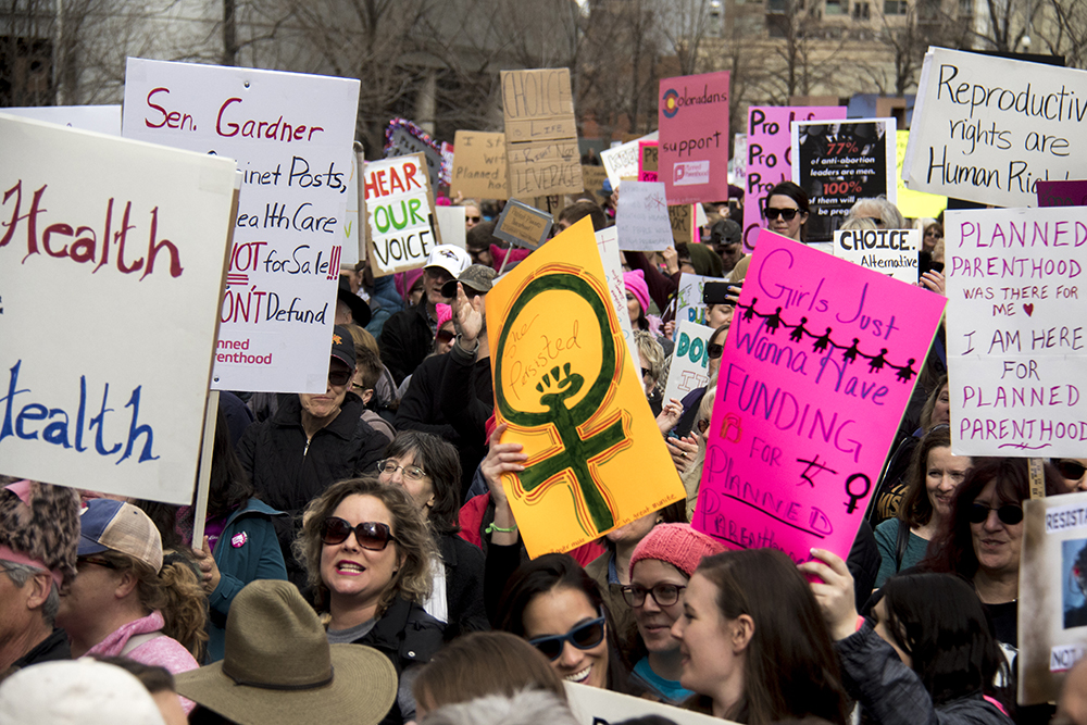 A rally in support of Planned Parenthood at Skyline Park, Feb. 11, 2017. (Kevin J. Beaty/Denverite)  rally; planned parenthood; abortion; protest; copolitics; skyline park; denver; kevinjbeaty; denverite; colorado