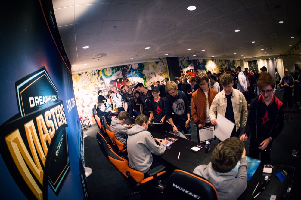 E-competitors meet their fans in real life at a DreamHack event. (Courtesy DreamHack)