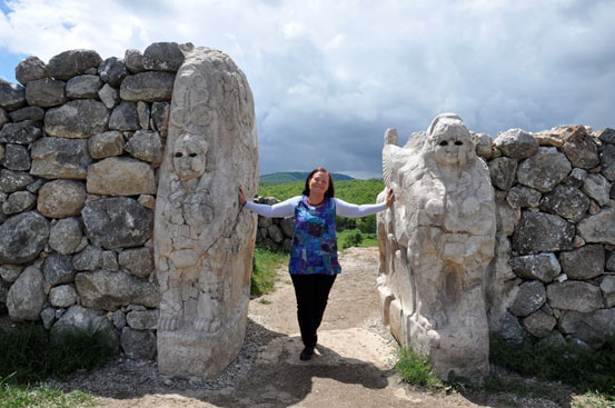 Priestess Morgana Sythove Interview with Sorita d'Este - Wiccan and Pagan Teacher