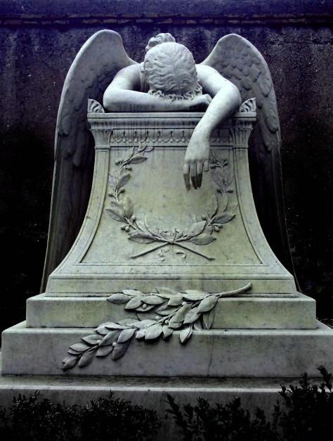 Ángel de la pena es una escultura de William Wetmore Story  de 1894 en el cementerio protestante de Roma.