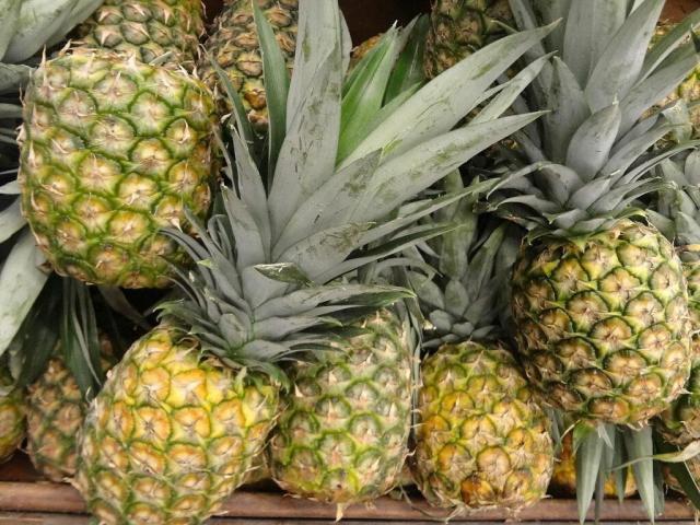 beneficios piña fruta