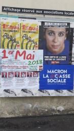 Collage des affiches sur les panneaux associatifs de la ville et annoncant les évènements solidaires : marches, film et concert de soutien