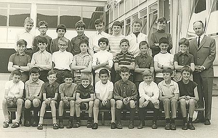 Klasfoto van het 6de leerjaar ( 1970)