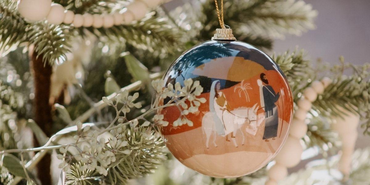 Dans l'esprit de Noël, les plus belles boules pour décorer son sapin