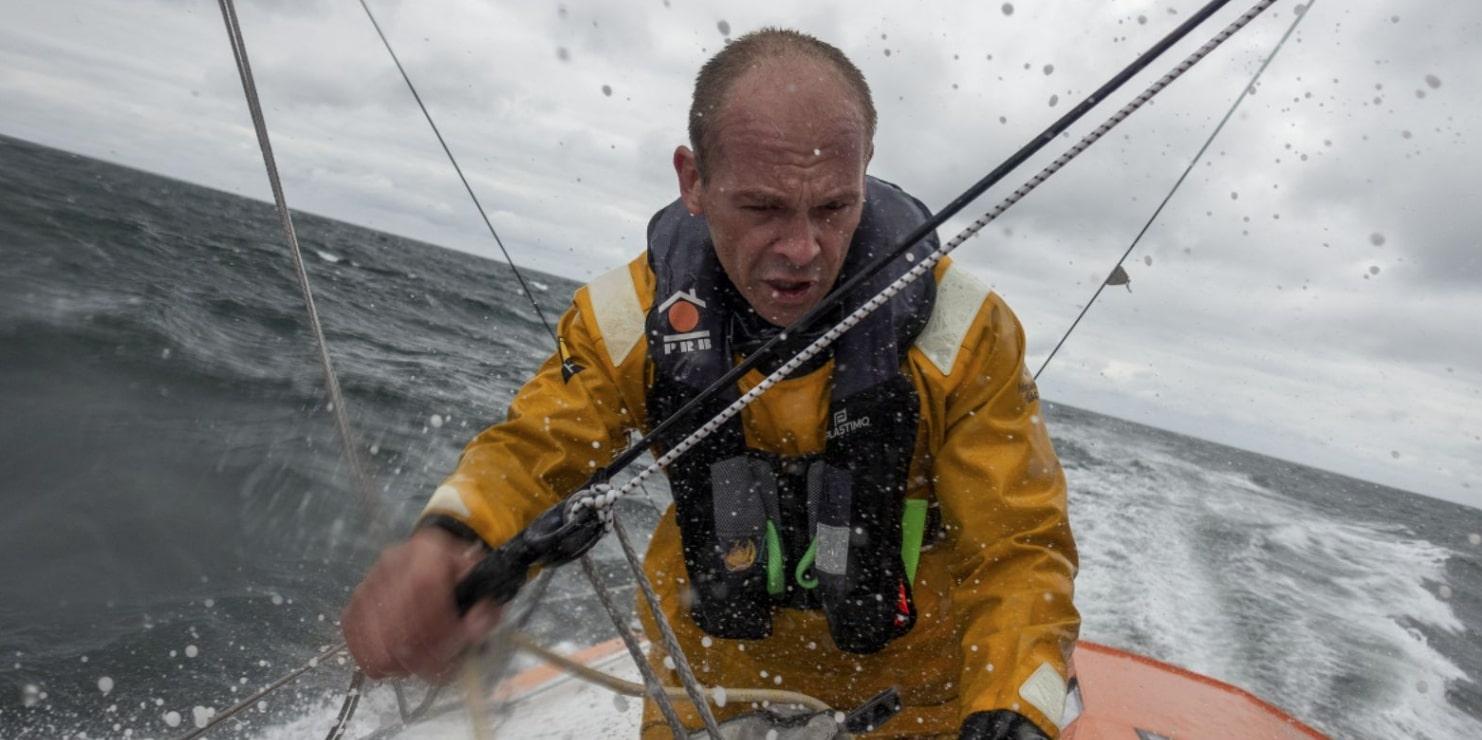 «Ta vie était plus importante que notre Vendée Globe» : le sauvetage hors norme de Kevin Escoffier