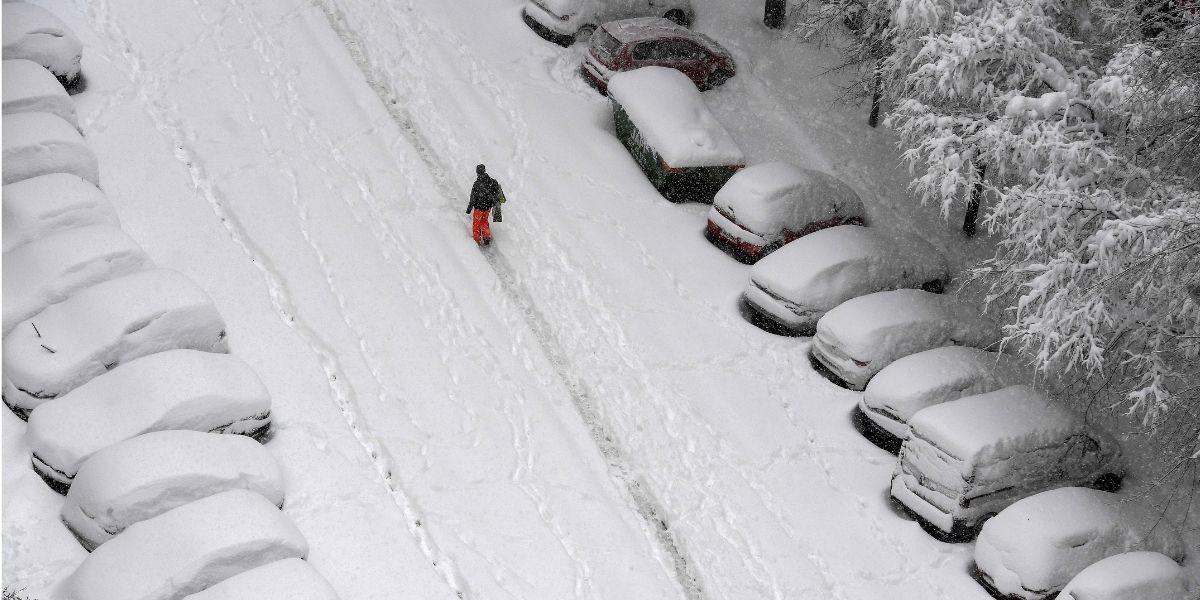 17 km à pied dans la neige, l'exploit d'un médecin espagnol pour assurer une garde