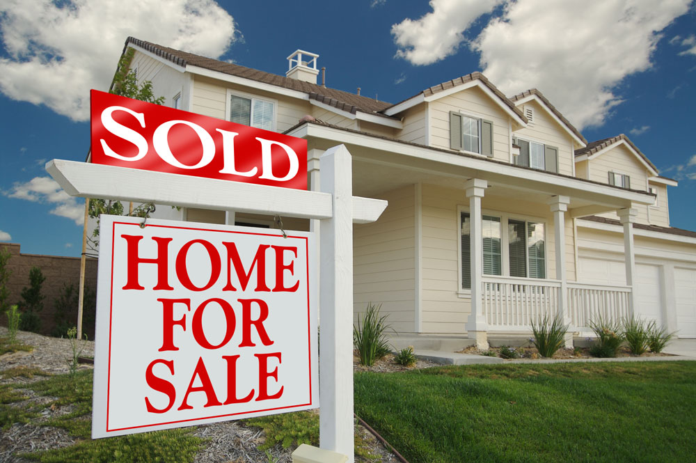 bigstock-Sold-Home-For-Sale-Sign-in-fro-11930609_1000x665