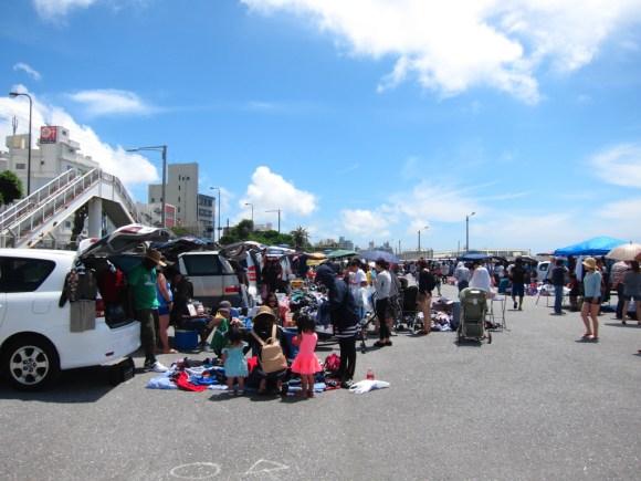 沖縄米軍基地フリーマーケット