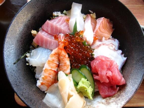 国頭食堂の海鮮ちらし寿司