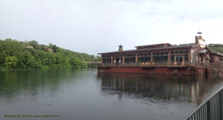 White River Fish House in the rain, Branson Landing