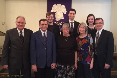 My father's 17 year struggle with Parkinson's Disease ended the day after Easter. My brother and sister (and family), Mom and Andrew gather to celebrate a life worth living.