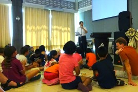 Sunday morning I had to address 100 adults and 50 children, so I choose to tell a kids' story I wrote a few years ago. Even the adults seemed to enjoy it! (If you want to read it, visit http://www.krigline.com/easter_kids.htm)