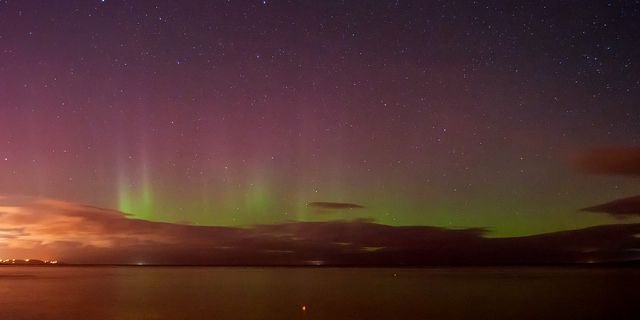 """""""Another night of aurora"""" by Philip McErlean. CC BY-ND 2.0."""