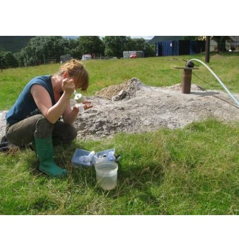 The mysterious microbial ecosystem beneath our feet: Unravelling groundwater microbiology
