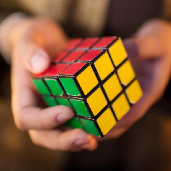 Rubik's Cube / Making The World's Most Popular Puzzle