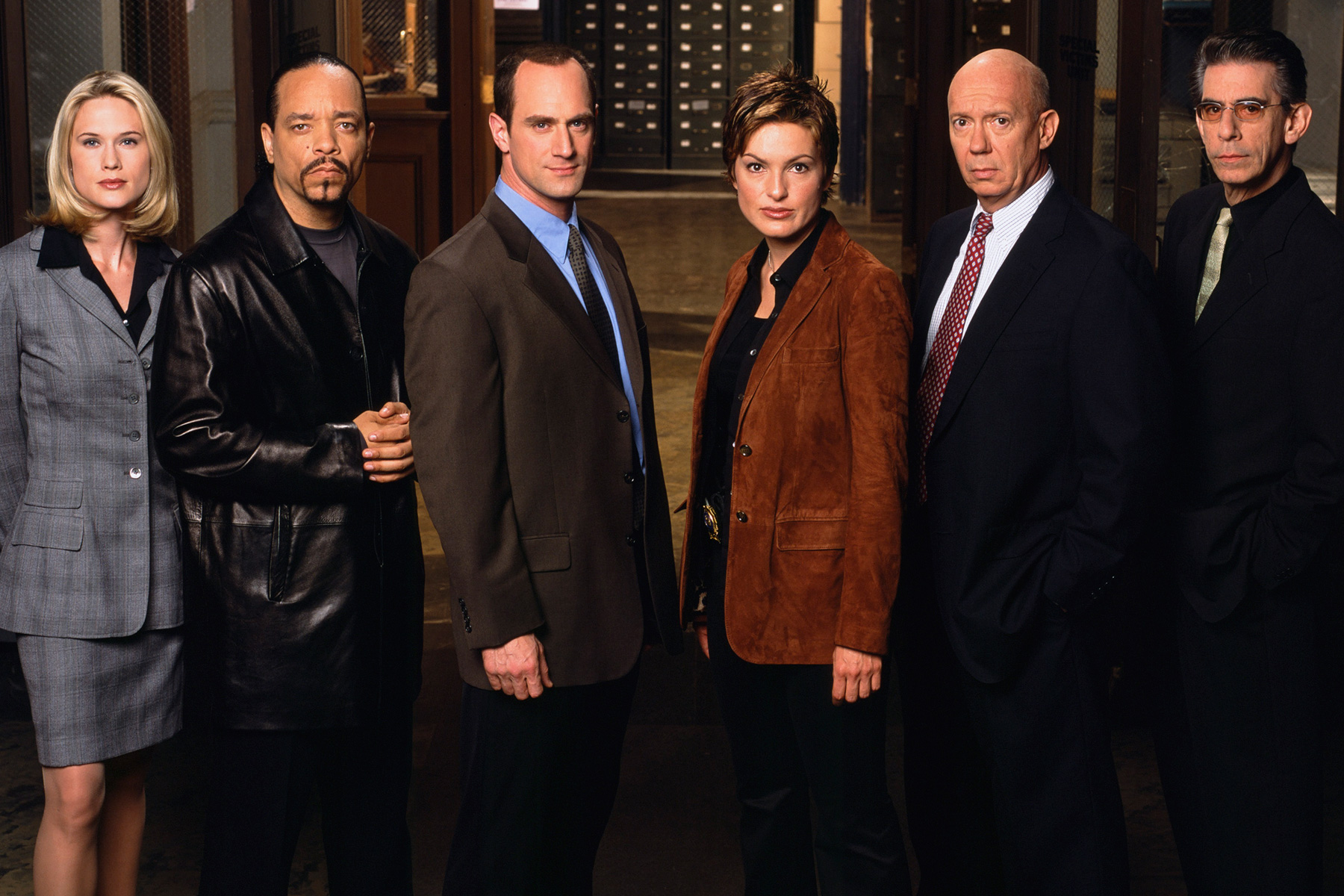 See The Original Cast Of Law Amp Order Svu Then And Now