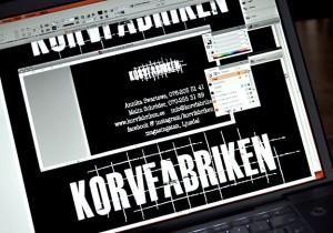Korvfabrikens grafiska profil under uppbyggnad hos millimega.