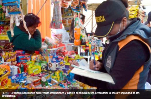 Inspección a puestos de venta cerca de colegios