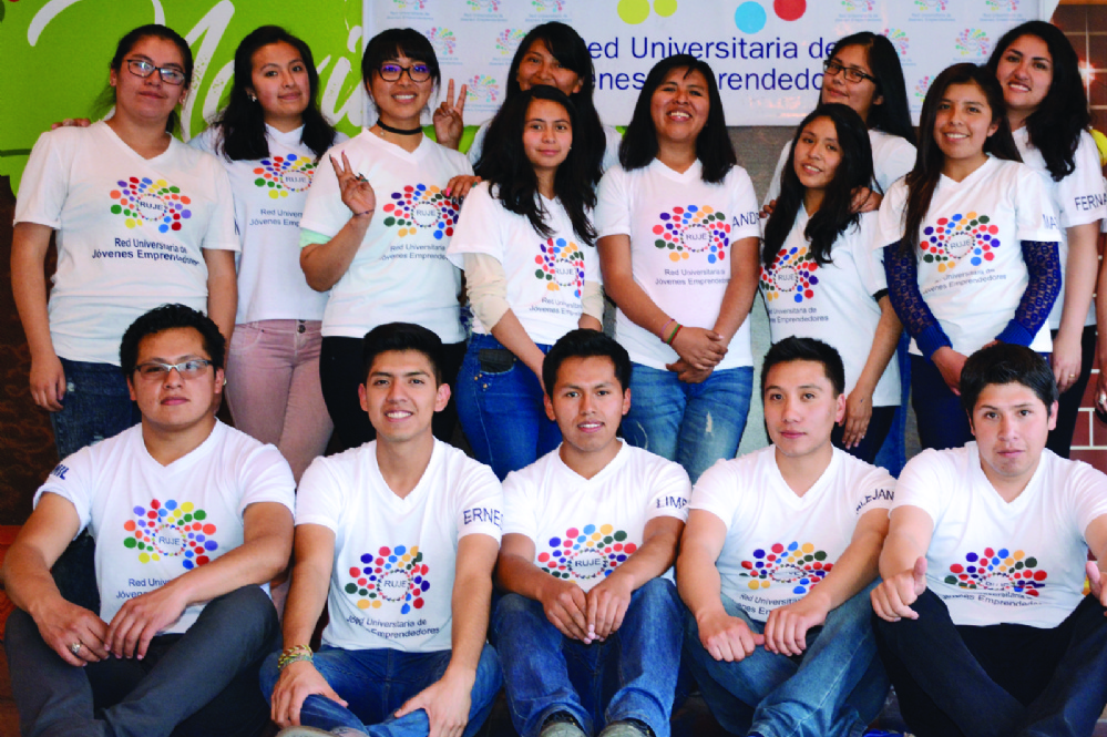 Promueven ideas de jóvenes e impulsan sus emprendimientos