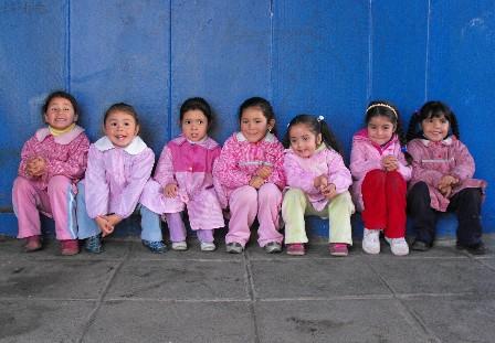 Ministro de Educación de Perú anuncia que mantendrá el enfoque de género en el currículo de la educación básica