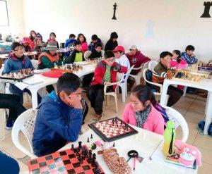 Menores en torneo departamental de ajedrez