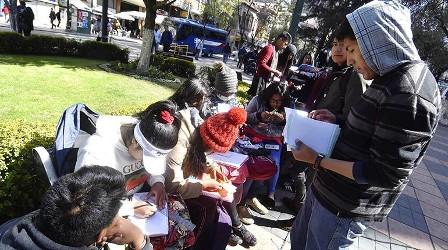 La UPEA pasa clases en la calle y conmina a retomar el diálogo