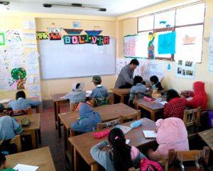 Miles de estudiantes retornaron a clases