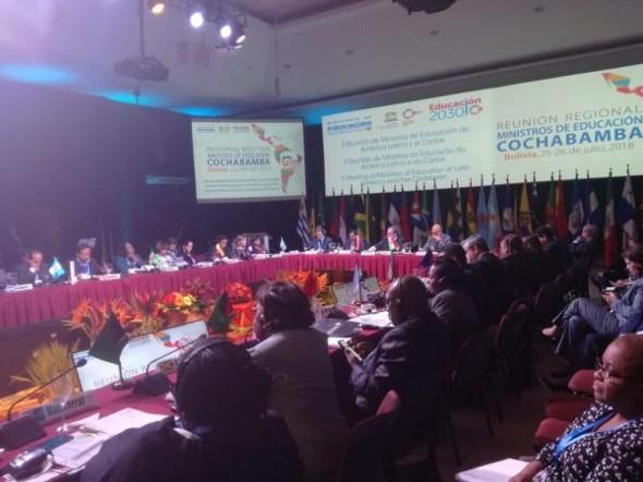 UNESCO destaca educación con lenguas nativas en Bolivia