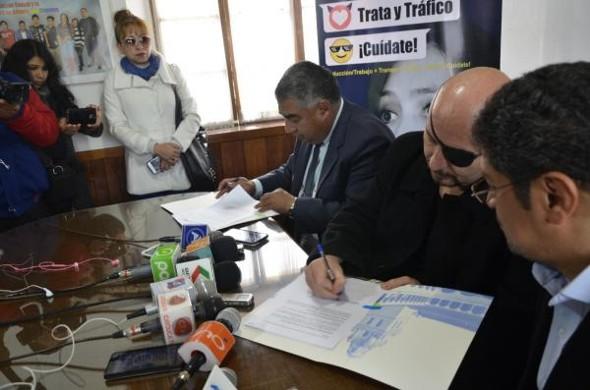 Defensoría del Pueblo suscribe Convenio con la USFX para promover mayor desarrollo humano