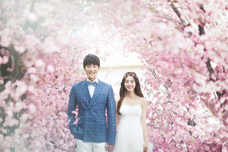 8 Tips On How To Dress Up For A Perfect Cherry Blossom