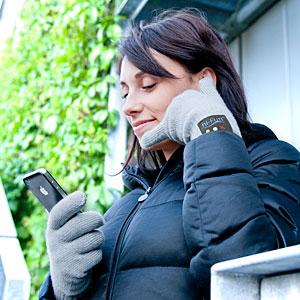 f2c9_bluetooth_handset_gloves_inuse