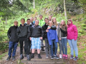 12-Visite d'une mine de cuivre (une partie du groupe)