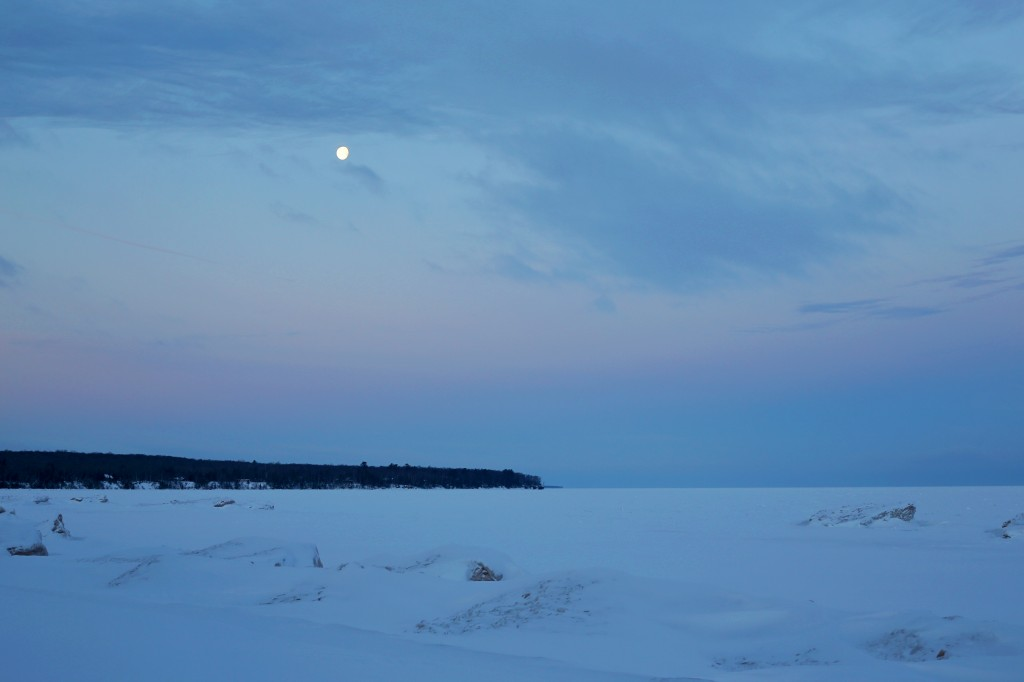 apostle islands, sea caves, bayfield, cornucopia, winter, sunrise, moon set, lake superior