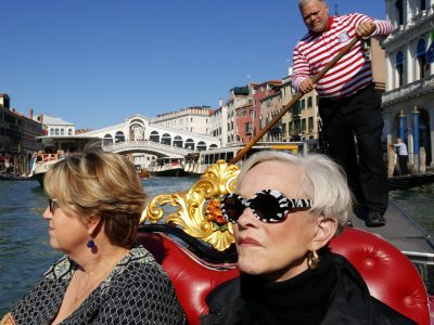 "Travelers on the ""Divas and Delights: An Opera Tour of Italy"" program."