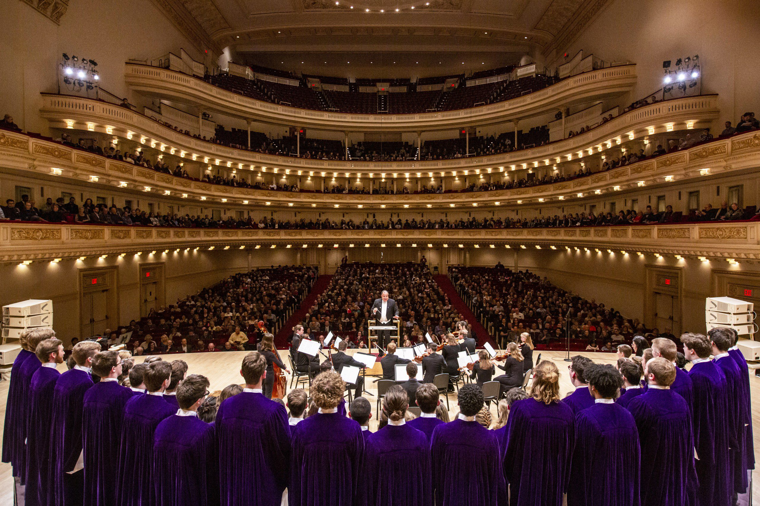 Anton Armstrong '78 conducts the chamber ensemble that accompanied the St. Olaf Choir in New York City's Carnegie Hall.