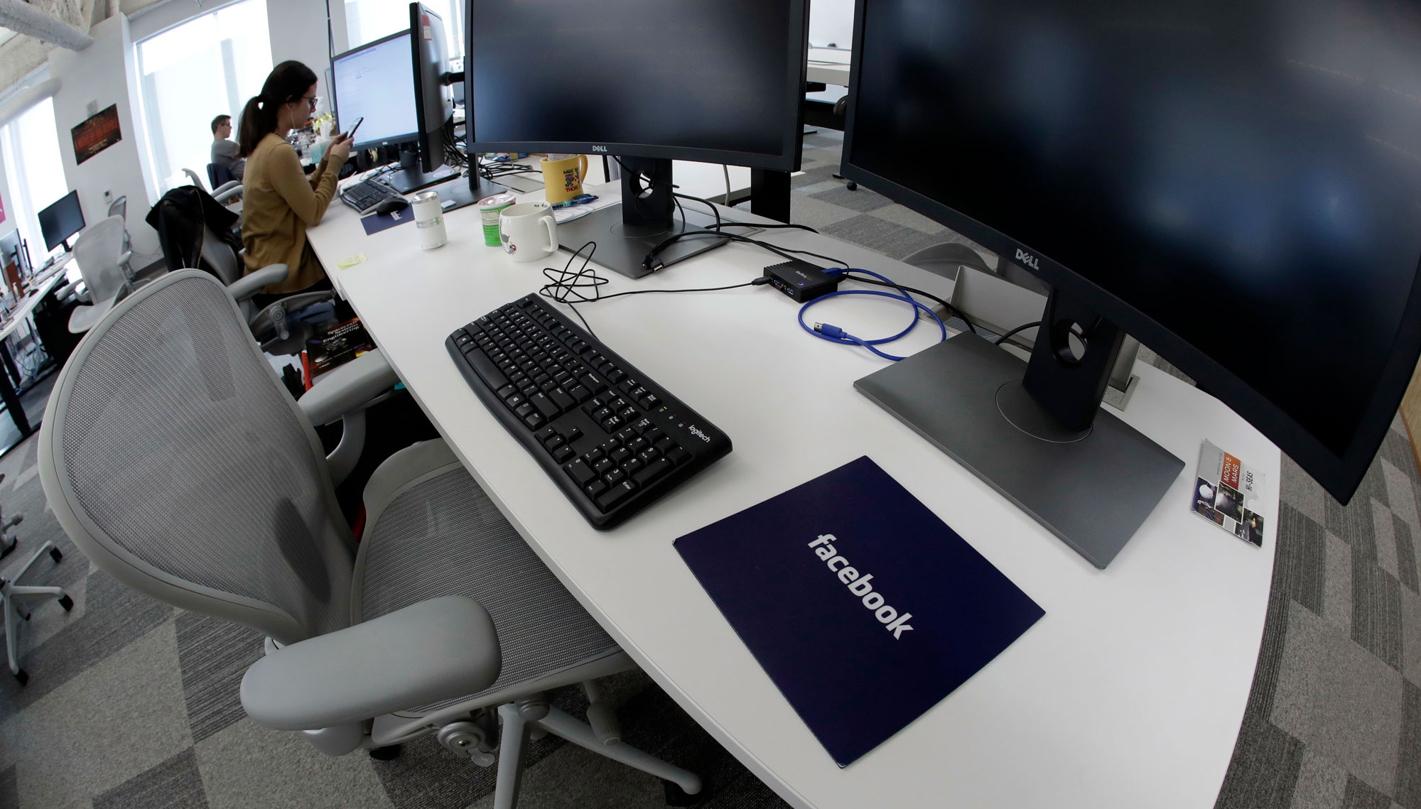 Photo of Facebook needs 30,000 of its own content moderators, says a new report